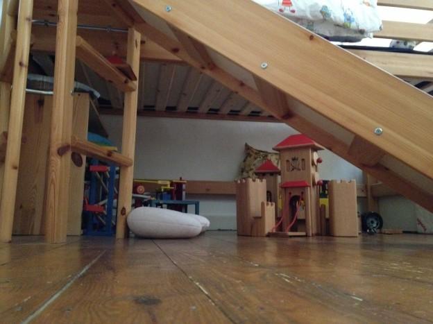reduziertes Kinderzimmer Rachel Suhre 01