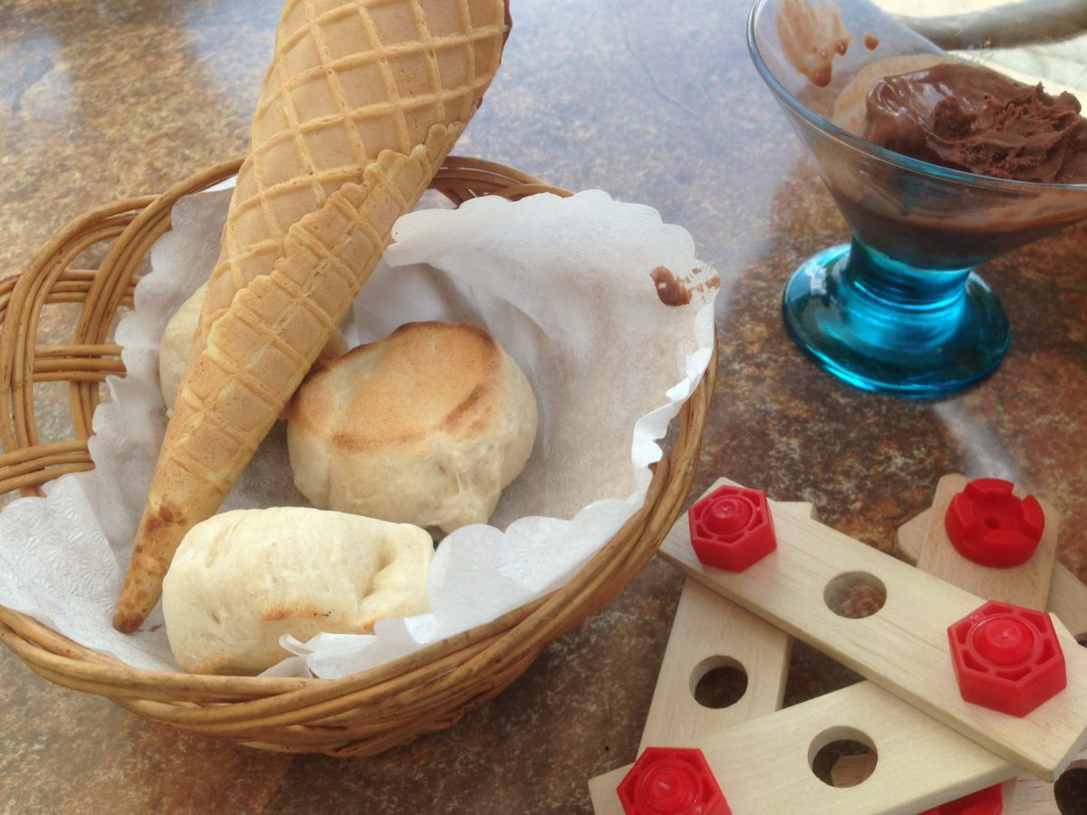 Familie Eis essen
