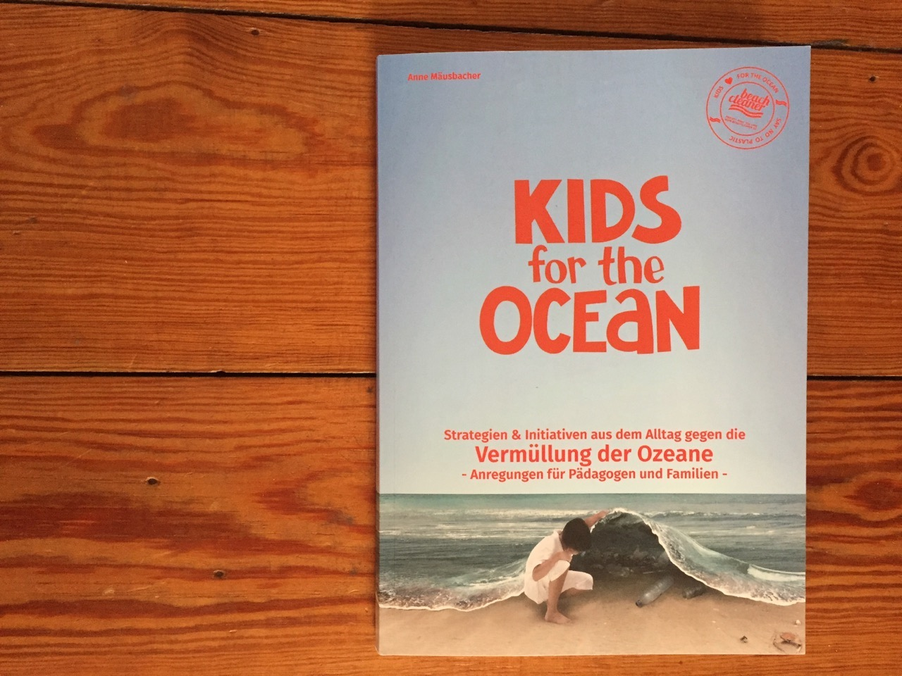 Lesestoff Kids for the Ocean beach cleaner