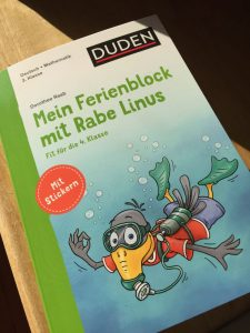 Rezension DUDEN Mein Ferienblock mit Rabe Linus MamaDenkt